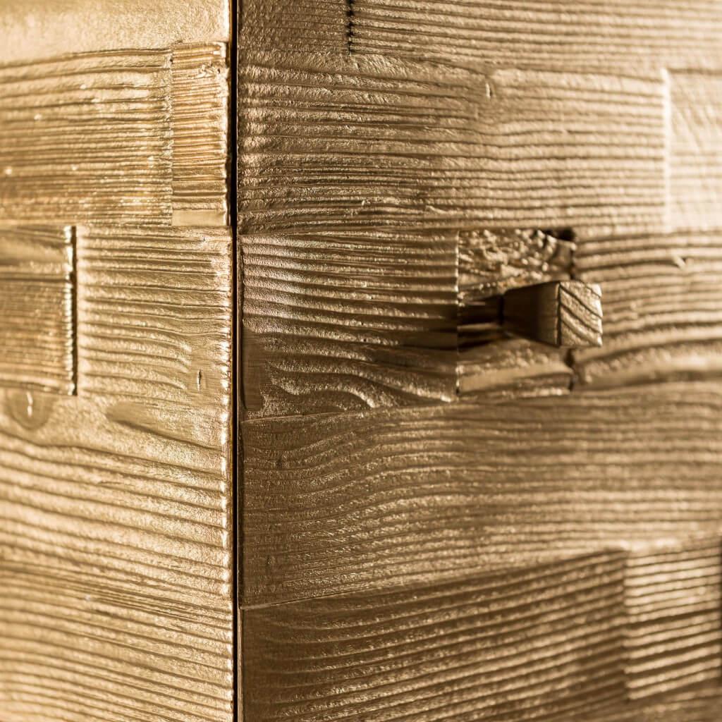 <p>I cubi d'arredo rappresentano una delle punte di diamante di Wood Art Cortina, e il cubo pepita non fa certo eccezione. Un prodotto ricercato che funge da ornamento e complemento d'arredo, impreziosito dalla sua conformazione ispessita che gli conferisce movimento e lo rende unico. La parola Pestuze, in dialetto ampezzano, significa pezzetti. Abbiamo scelto questo […]</p>
